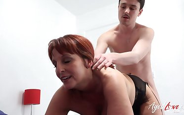 AgedLovE British Grown-up Blowjob together with Pussy Licking