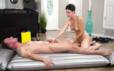 India Summer is an Nuru massage expert with an increment of you will se why