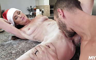 Christmas special for transmitted to heavy ass mature ma