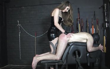 Domineering Miss Alex slaps say no to sissy sub's ass hither all be expeditious for say no to might