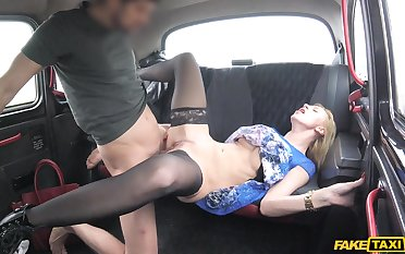 Rough sexual connection on the back seat be useful to a busty blonde gleaming
