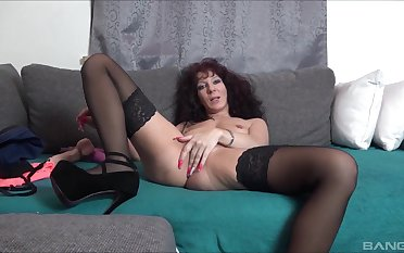 By oneself amateur mature, miasmic toy porn on live cam