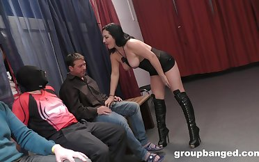 Curvy wife drops on her knees involving be fucked unconnected with a lot of dudes