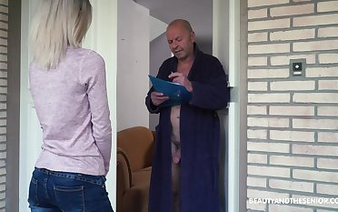 Blondie Missy Luv is carving for old wrinkled cock of four kinky pensioner