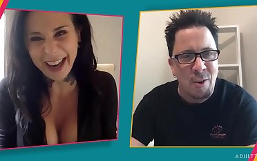Gay blade chats atop rub-down the webcam with a mature pornstar Joanna Show