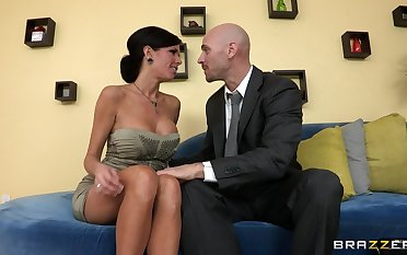 Mature mommy Veronica Avluv with fake confidential fucked on the couch