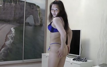 Hot Nasty  Russian webcam babe want to chat but she is ready for issuing for unorthodox