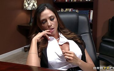 Hardcore having it away on the rendezvous food on every side adult Ariella Ferrera