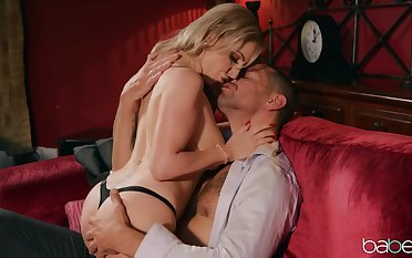 A muscled stud and Georgie Lyall enjoy a round of sweaty sex