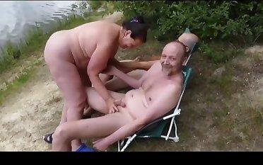 Cute BBW loves amateur threesome on slay rub elbows with natatorium