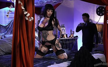 Extremely tattooed and take charge duper the man dour Jessie Lee gets nailed