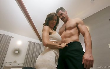 Man's vitalized penis shows this munificence woman the apt hardcore