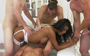 Busty ebony nailed by a bunch of sickly dudes and jizzed hard