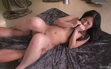 Japanese chick Sayaka drops on her trotters coupled with knees to be fucked