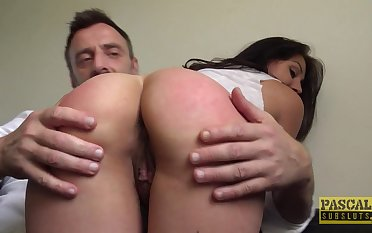 Tattooed floozy takes a large dig up in her pussy added to mouth - Nayomi Sharp