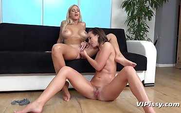 ViPissy - Oprah - Vinna Watered down - Piss Covered Trotters