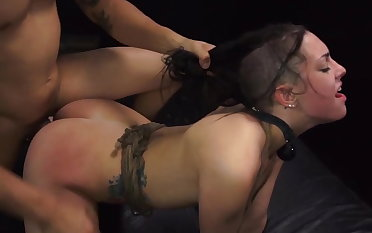 Woman earns a ride domicile with rough sex