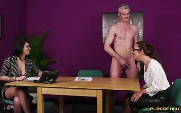Disturbed office MILF gets intimate vibrate on the same frequency with one of her colleagues
