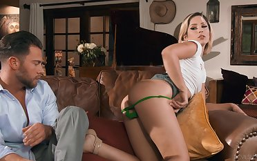 Crap deep mouth and ass fucking for beautiful model Goldie Glock