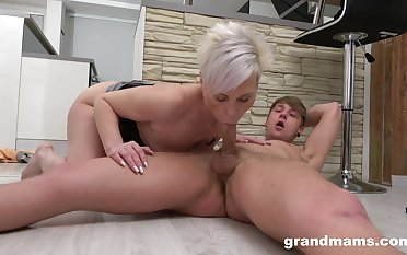 Faggot sucks the young dig up then rides it firmly