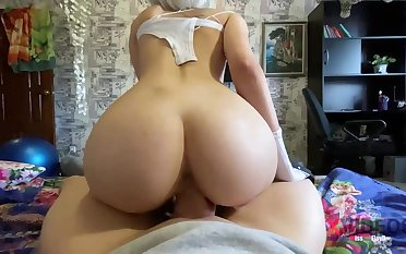 Steamy blondie is deep-throating penis like a positive professional together with opening up up to get screwed rigid