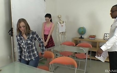 Marvelous dark-hued instructor trains his youthful schoolgirls all upon fuck-a-thon and fuckpole